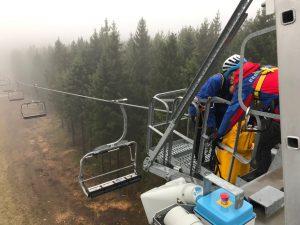 Anbringen des Seilsystems zur Evakuierung